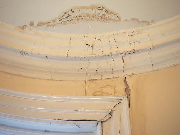 Is the water on your ceiling a roof leak or condensation - Water leakage from roof ...