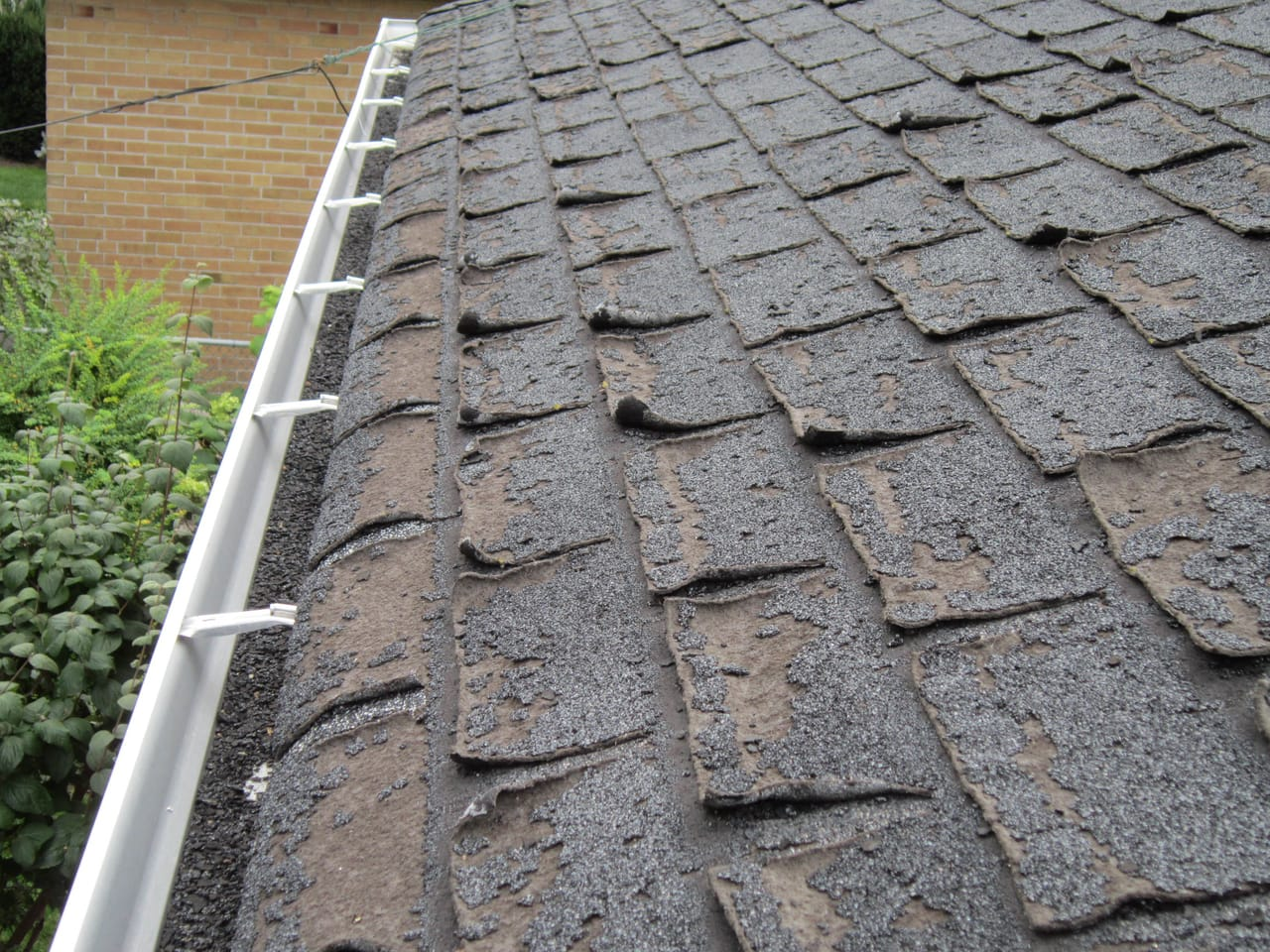 damaged-roof-shingles
