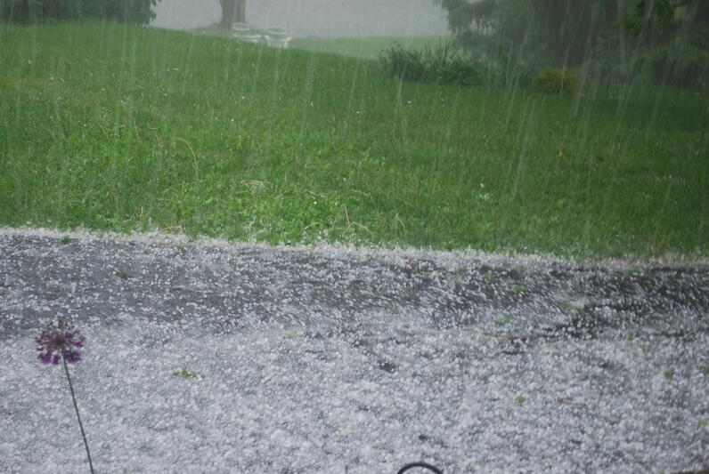 Hailstorm_in_Dutchess_County_New_York.jpg