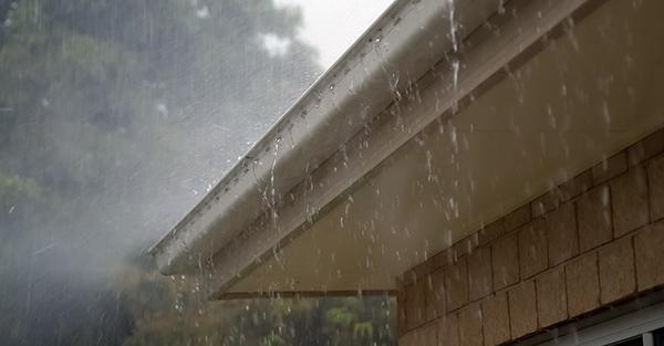 roof-gutters-rain.png