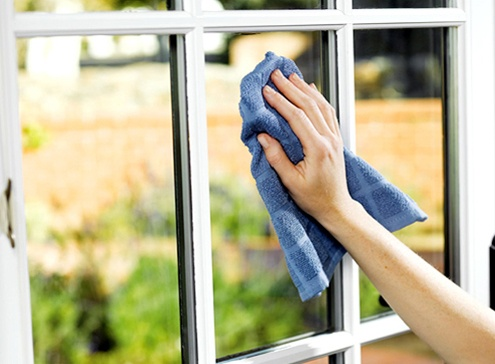 cleaning-window-glass