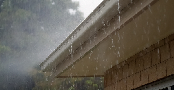 roof-gutters-rain.png