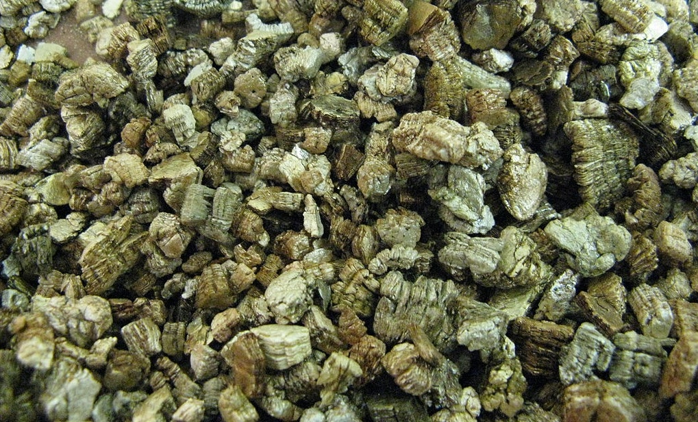 vermiculite insulation-752661-edited.jpg